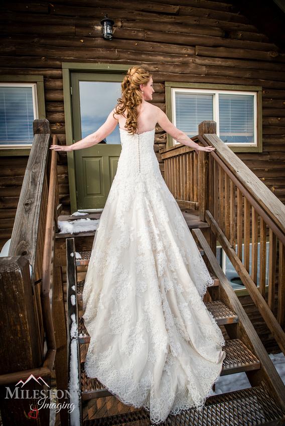 Devil's Thumb Ranch Winter Wedding Photography by Denver Colorado Wedding Photographer Milestone Imaging