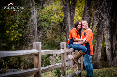 Beautiful fall engagement photography by Denver Wedding Photographer Milestone Imaging.